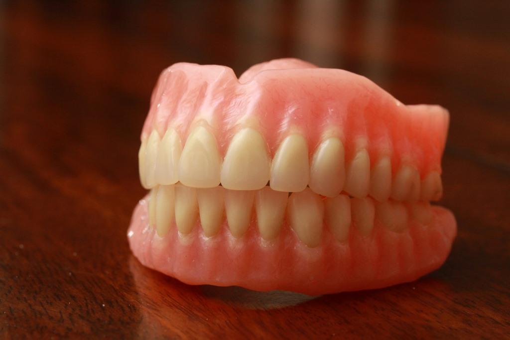 featured image for dental dentures