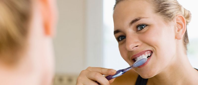 featured image for how to brush your teeth properly