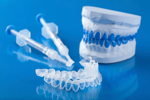 featured image for teeth whitening products work
